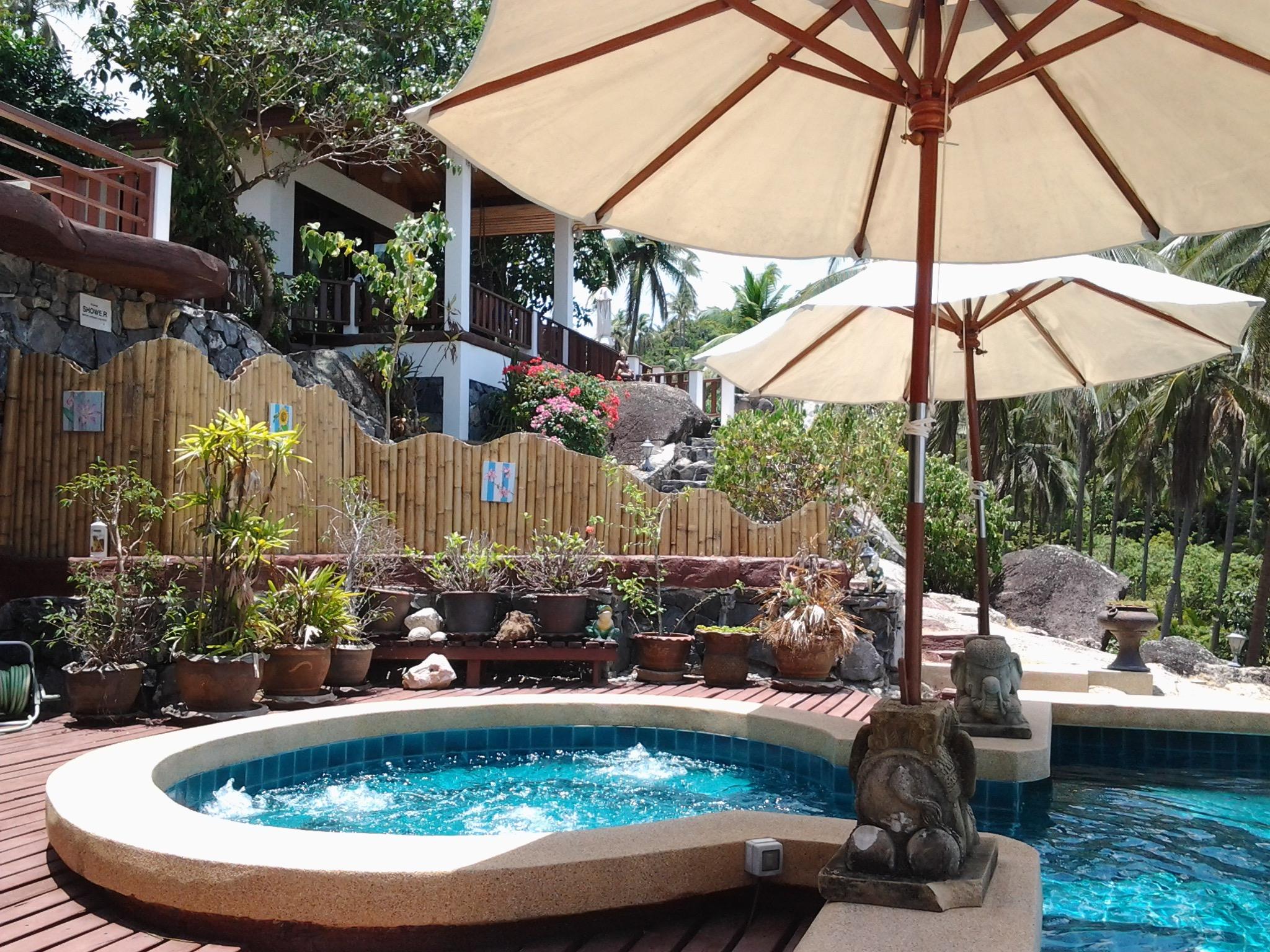 The balcony between DeeDee Villas